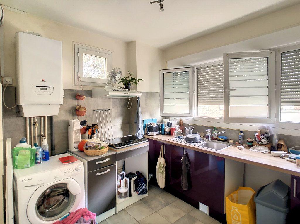 Appartement à louer 4 72m2 à Brive-la-Gaillarde vignette-5