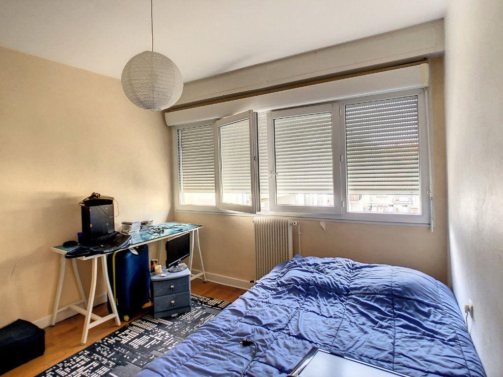 Appartement à louer 4 72m2 à Brive-la-Gaillarde vignette-7
