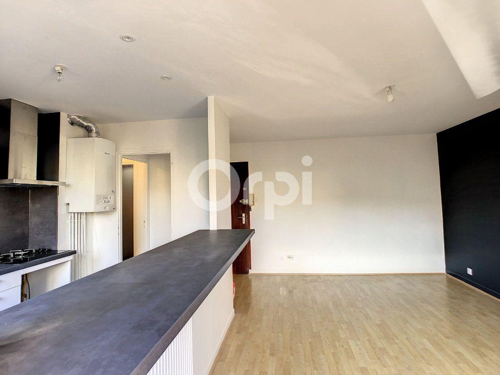 Appartement à louer 2 43m2 à Brive-la-Gaillarde vignette-2