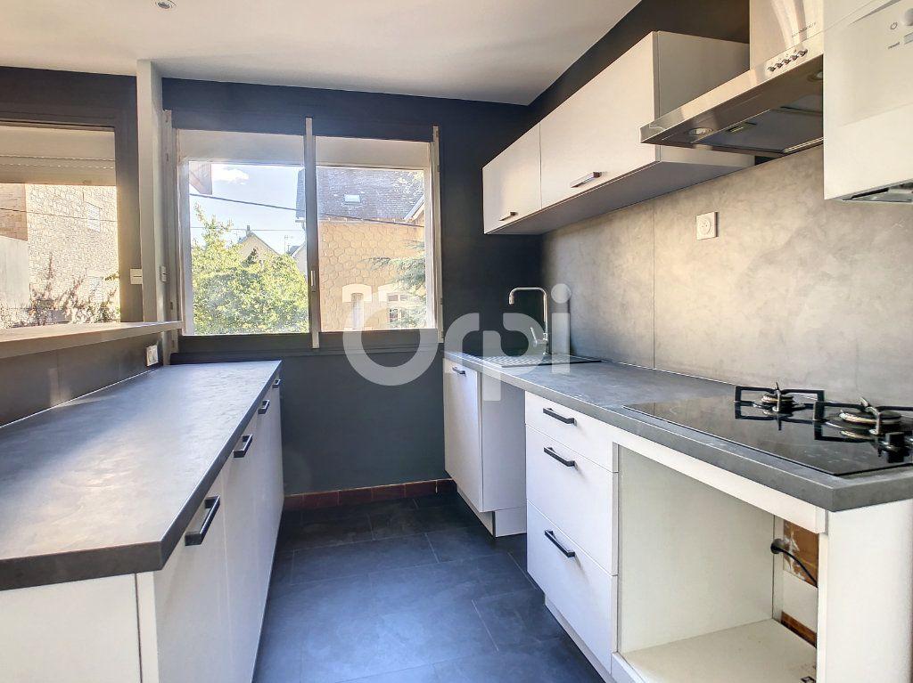 Appartement à louer 2 43m2 à Brive-la-Gaillarde vignette-3
