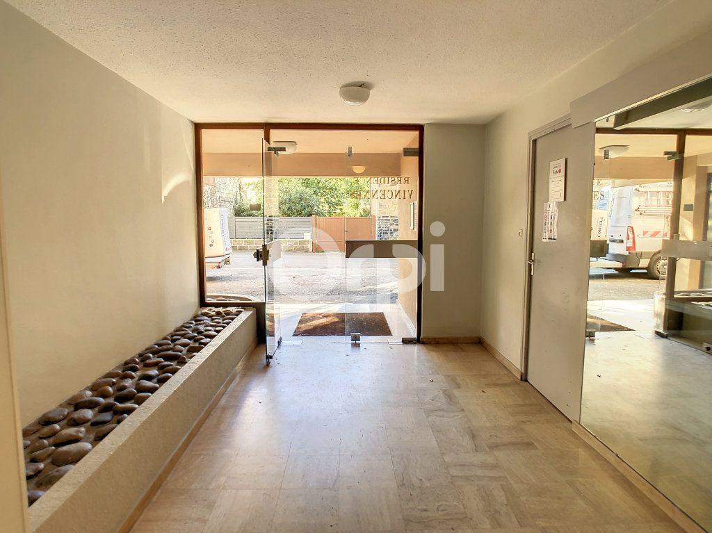 Appartement à louer 2 43m2 à Brive-la-Gaillarde vignette-7