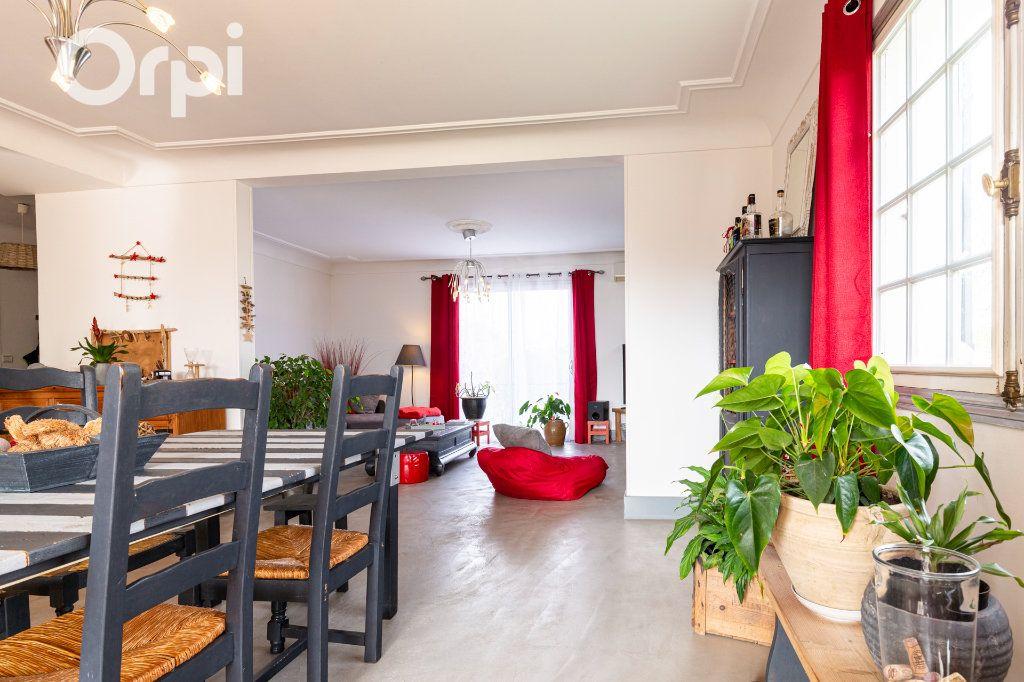 Maison à vendre 10 205m2 à Bourcefranc-le-Chapus vignette-4