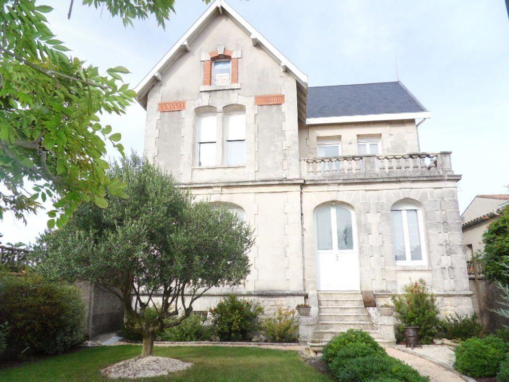 Maison à vendre 5 150m2 à Bourcefranc-le-Chapus vignette-1