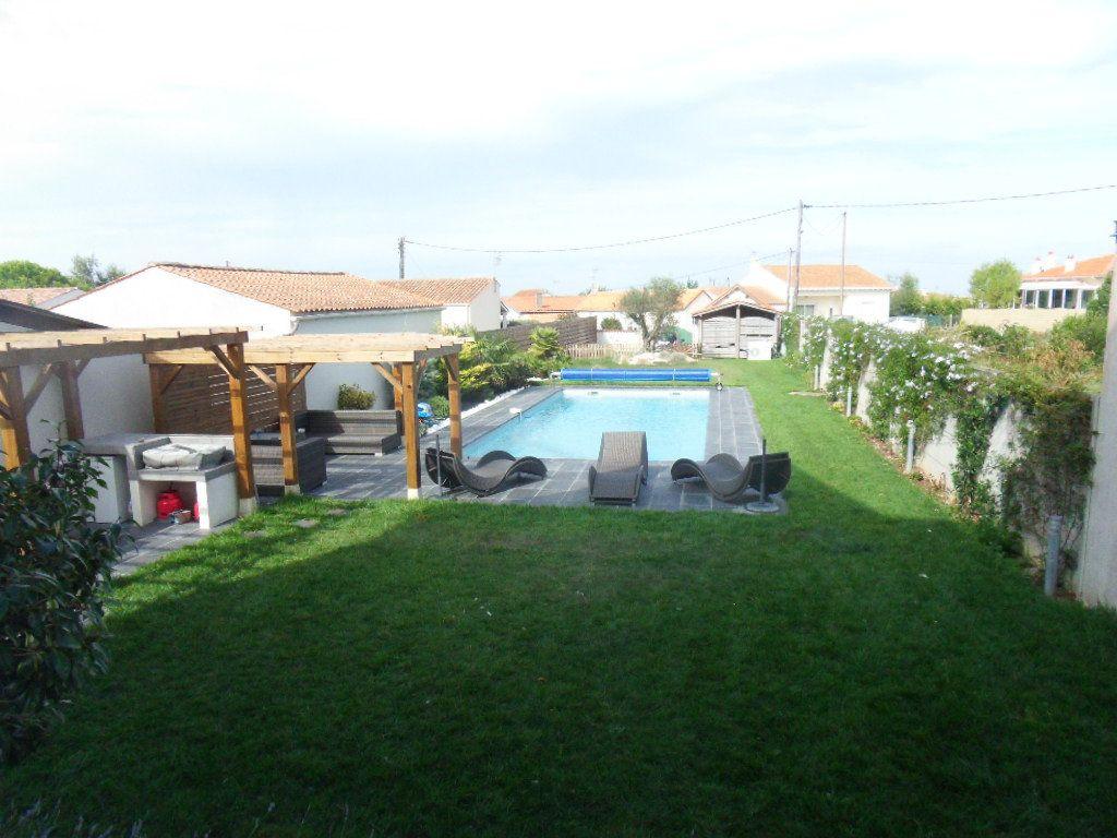Maison à vendre 5 150m2 à Bourcefranc-le-Chapus vignette-4