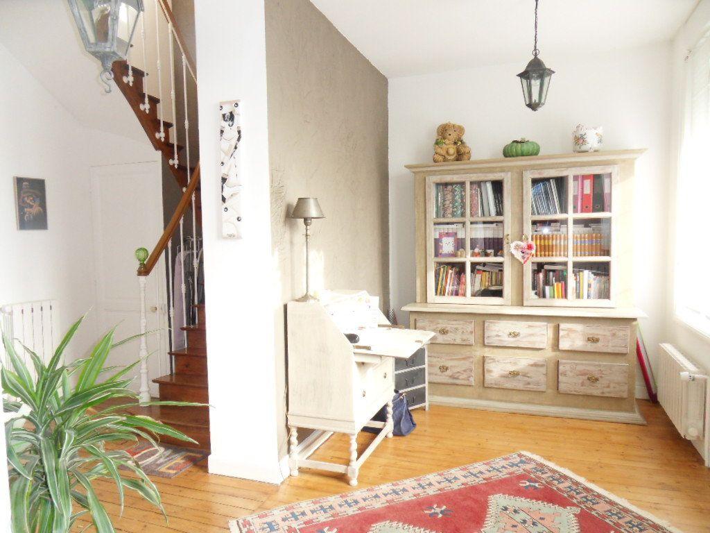 Maison à vendre 5 150m2 à Bourcefranc-le-Chapus vignette-11