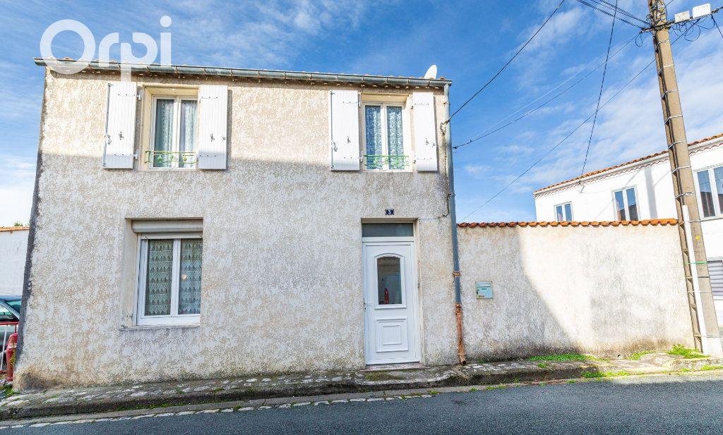 Maison à vendre 5 110m2 à Bourcefranc-le-Chapus vignette-1