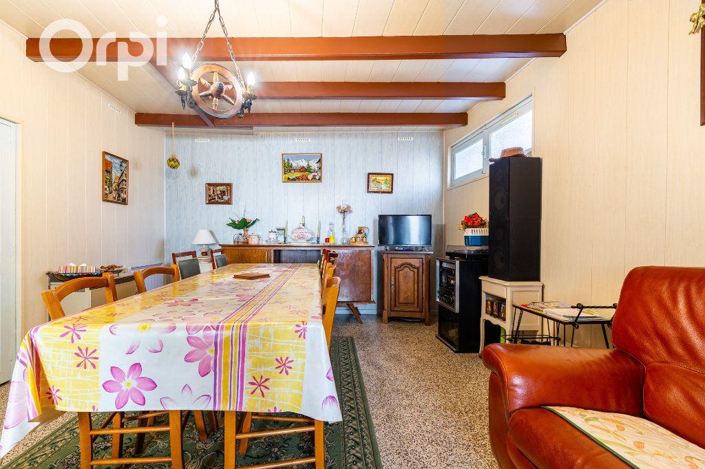 Maison à vendre 5 110m2 à Bourcefranc-le-Chapus vignette-3