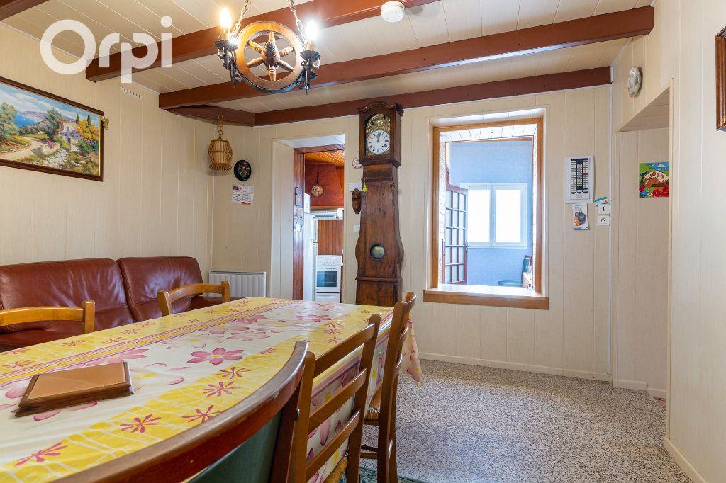 Maison à vendre 5 110m2 à Bourcefranc-le-Chapus vignette-4