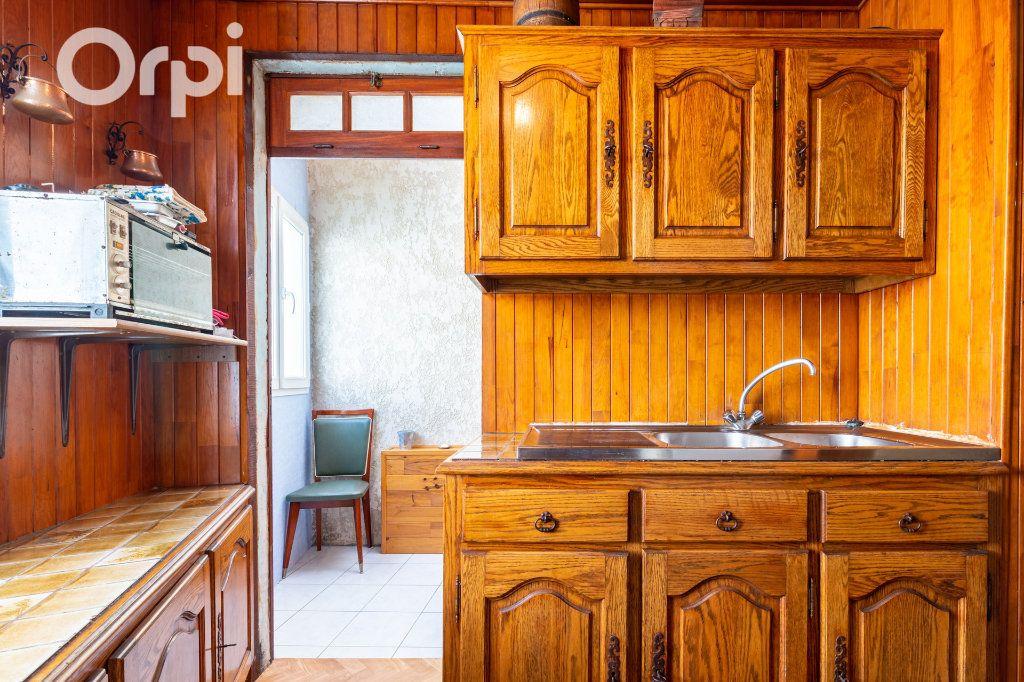Maison à vendre 5 110m2 à Bourcefranc-le-Chapus vignette-6