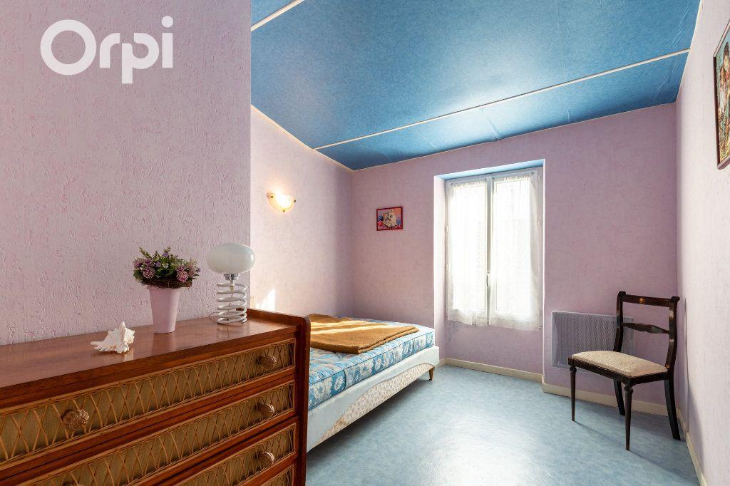 Maison à vendre 5 110m2 à Bourcefranc-le-Chapus vignette-7