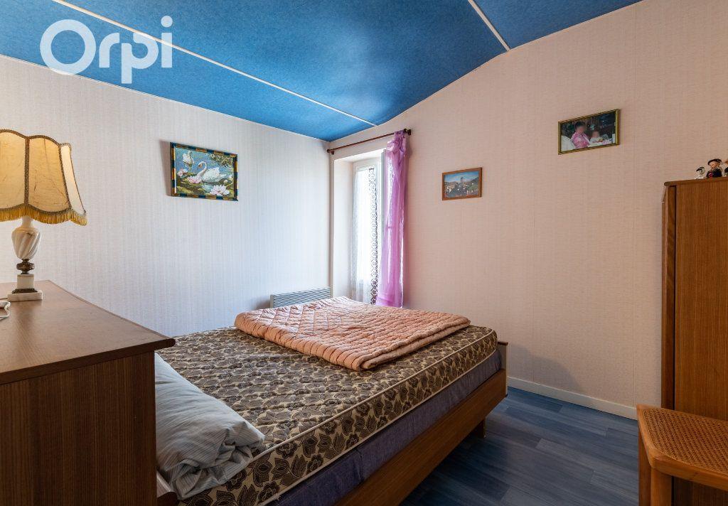 Maison à vendre 5 110m2 à Bourcefranc-le-Chapus vignette-9