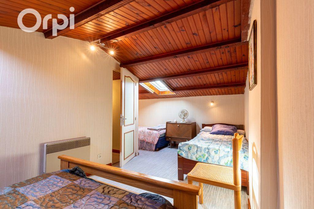 Maison à vendre 5 110m2 à Bourcefranc-le-Chapus vignette-12