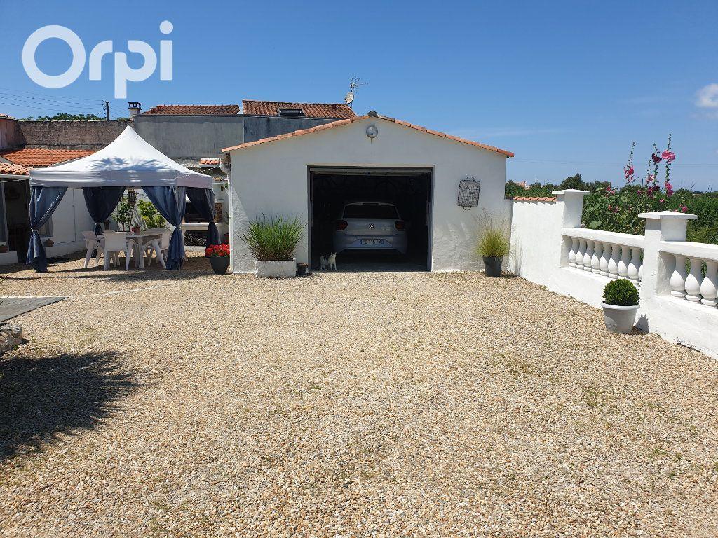 Maison à vendre 4 104m2 à Bourcefranc-le-Chapus vignette-2
