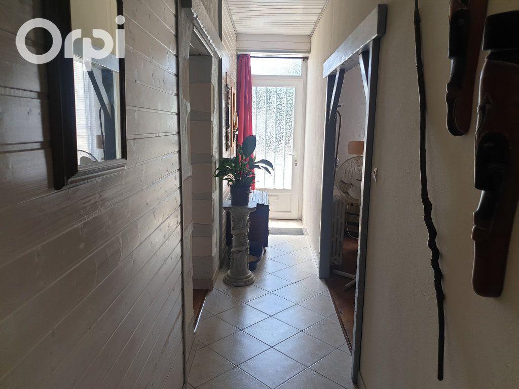 Maison à vendre 4 104m2 à Bourcefranc-le-Chapus vignette-7