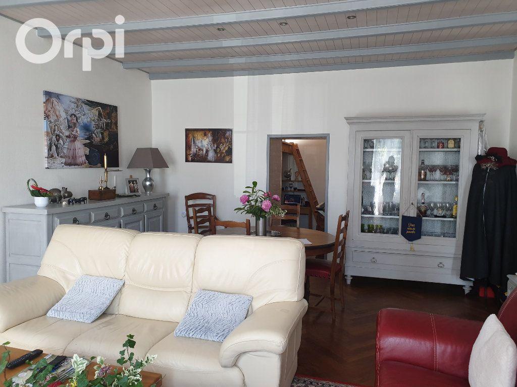 Maison à vendre 4 104m2 à Bourcefranc-le-Chapus vignette-10