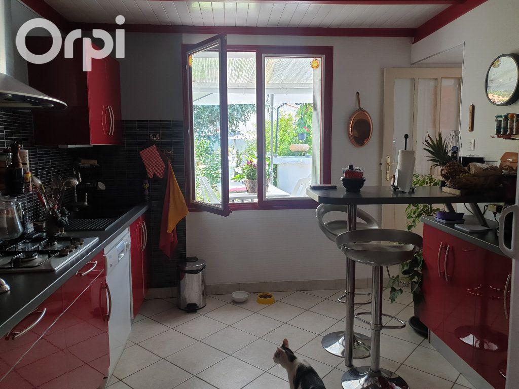 Maison à vendre 4 104m2 à Bourcefranc-le-Chapus vignette-13