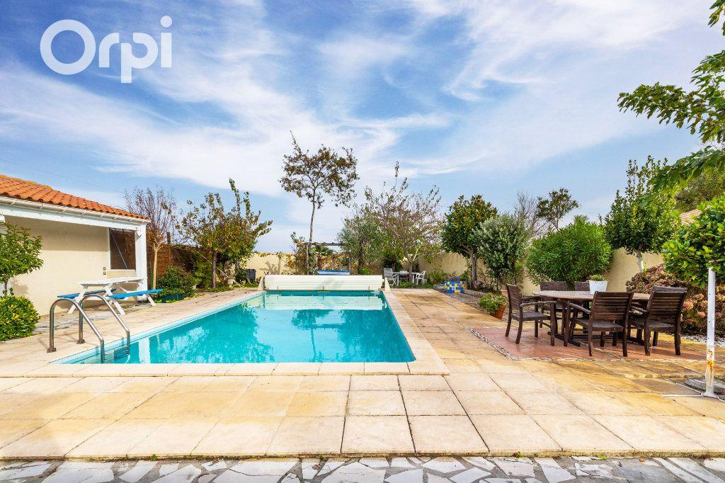 Maison à vendre 5 185m2 à Bourcefranc-le-Chapus vignette-2