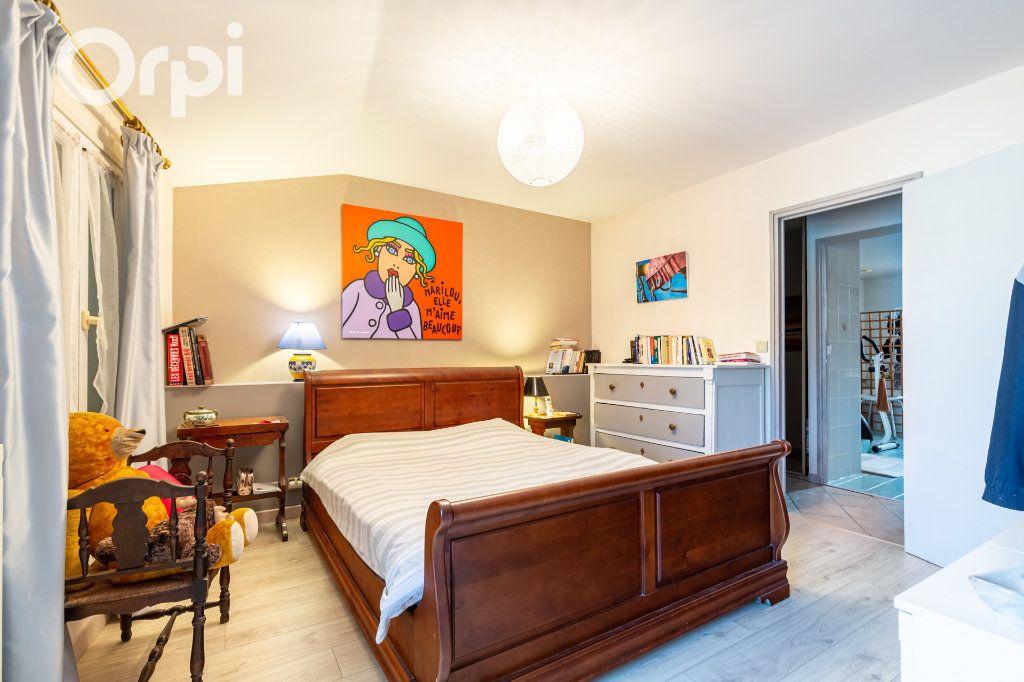 Maison à vendre 5 185m2 à Bourcefranc-le-Chapus vignette-6
