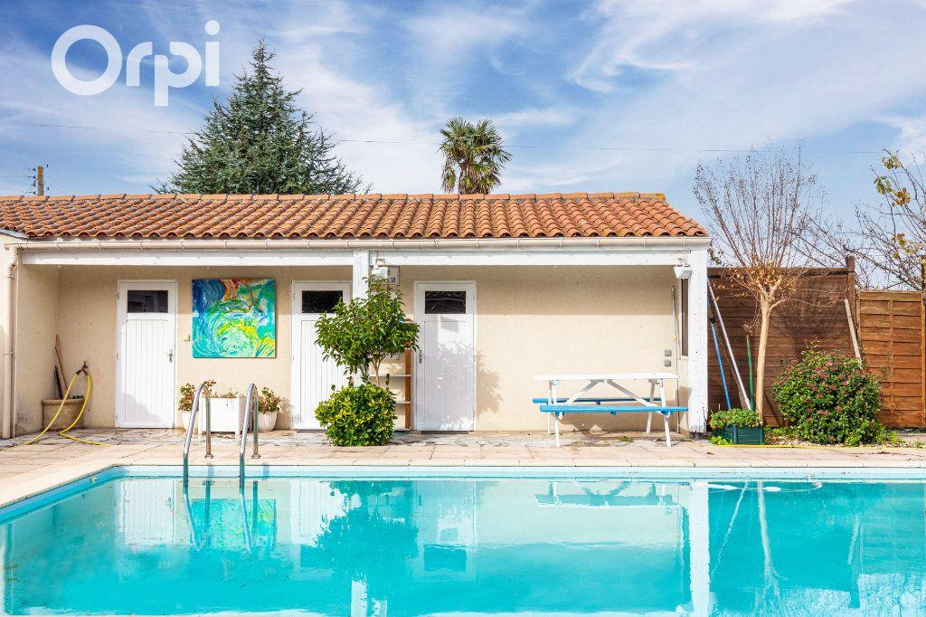 Maison à vendre 5 185m2 à Bourcefranc-le-Chapus vignette-9