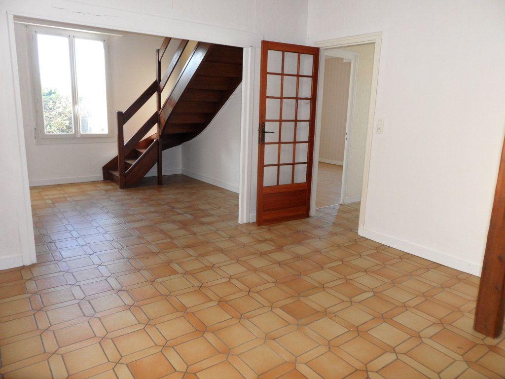 Maison à vendre 5 125m2 à Bourcefranc-le-Chapus vignette-3