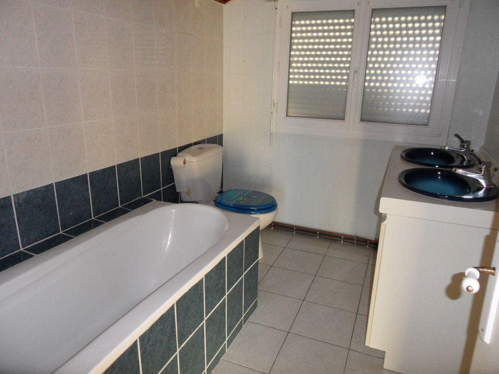 Maison à vendre 5 125m2 à Bourcefranc-le-Chapus vignette-6