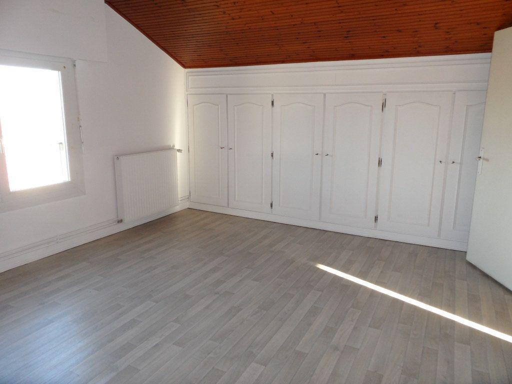 Maison à vendre 5 125m2 à Bourcefranc-le-Chapus vignette-9