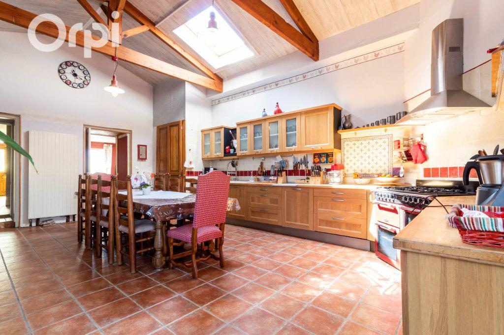 Maison à vendre 6 190m2 à Bourcefranc-le-Chapus vignette-5