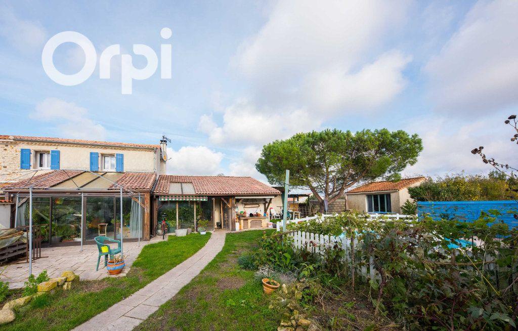 Maison à vendre 4 135m2 à Arvert vignette-3