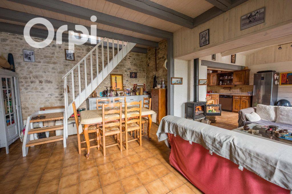 Maison à vendre 4 135m2 à Arvert vignette-6