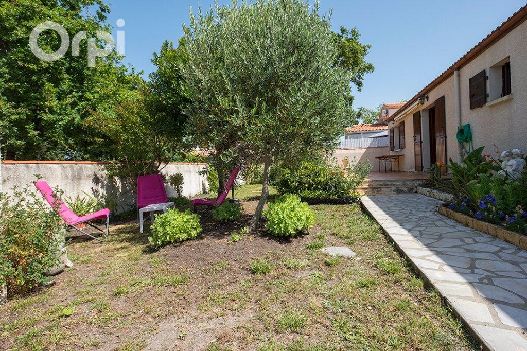 Maison à vendre 4 110m2 à La Tremblade vignette-2
