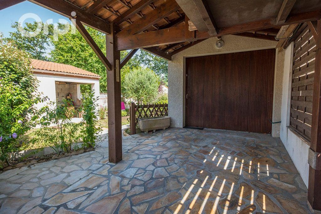 Maison à vendre 4 110m2 à La Tremblade vignette-3