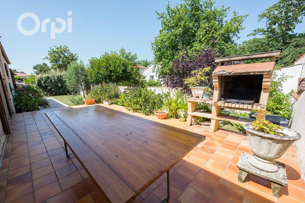 Maison à vendre 4 110m2 à La Tremblade vignette-6