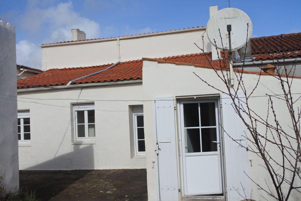 Maison à vendre 5 146m2 à Marennes vignette-2
