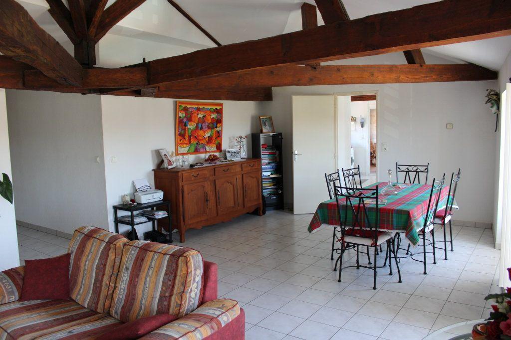 Appartement à vendre 3 116m2 à Marennes vignette-1