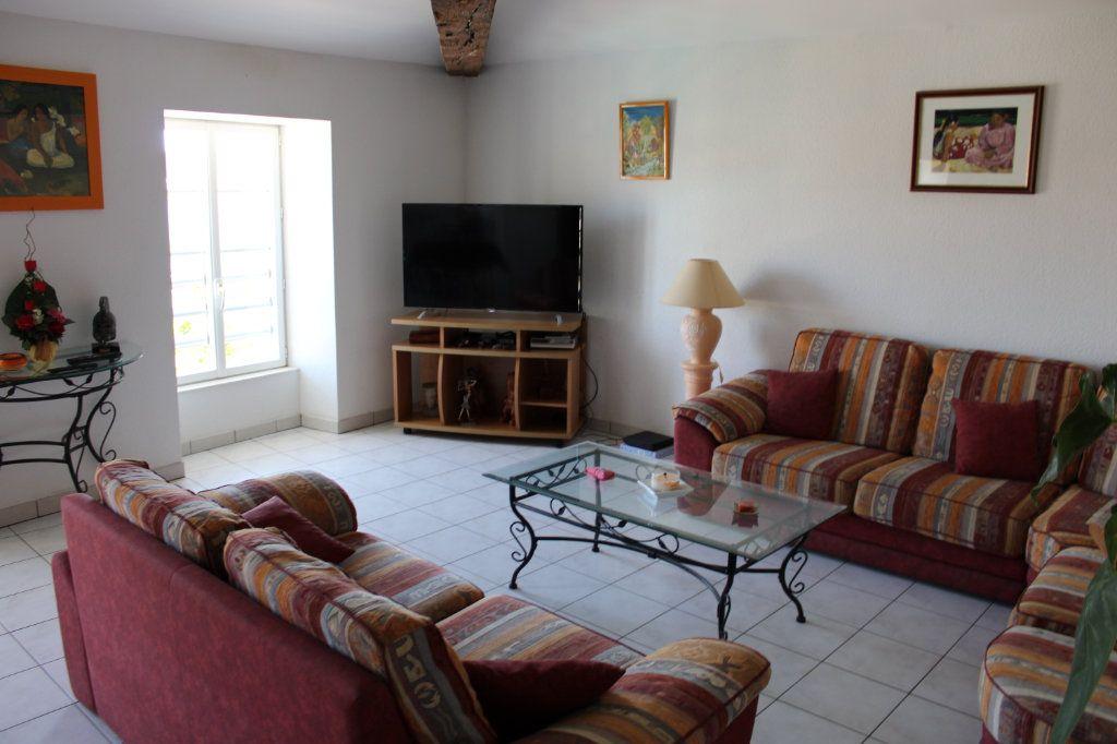 Appartement à vendre 3 116m2 à Marennes vignette-2