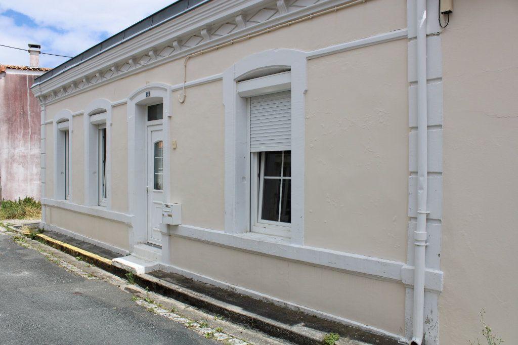 Maison à vendre 5 140m2 à Bourcefranc-le-Chapus vignette-1
