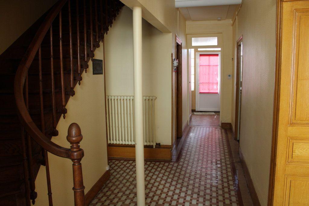 Maison à vendre 5 140m2 à Bourcefranc-le-Chapus vignette-4