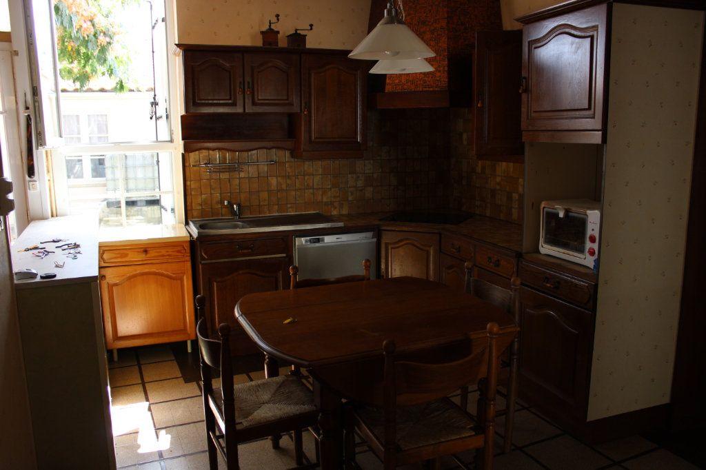 Maison à vendre 5 140m2 à Bourcefranc-le-Chapus vignette-7