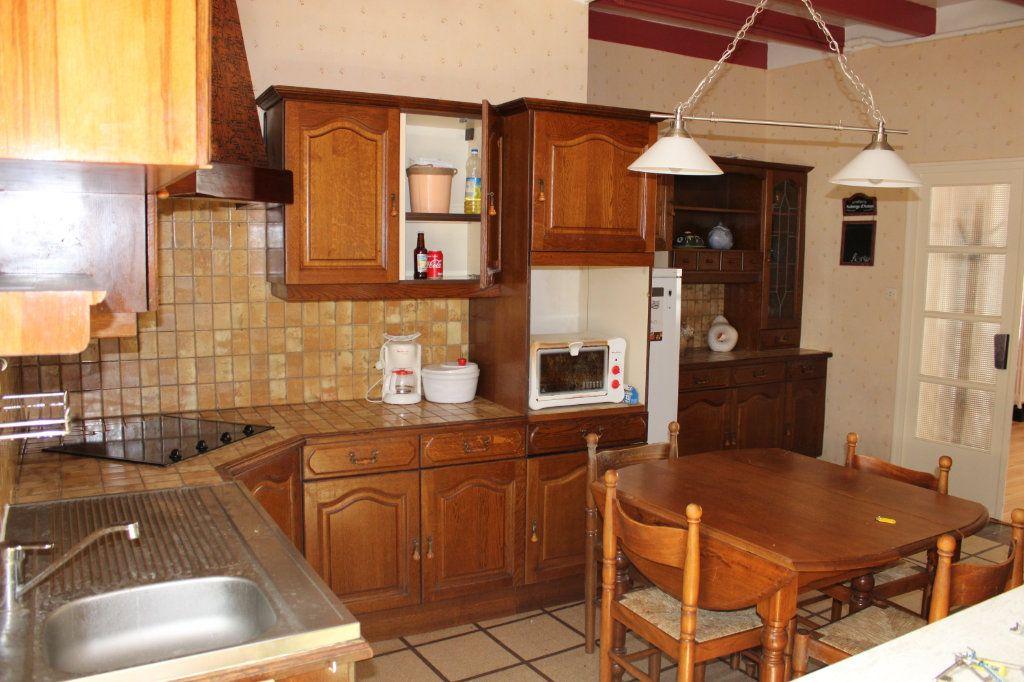 Maison à vendre 5 140m2 à Bourcefranc-le-Chapus vignette-9