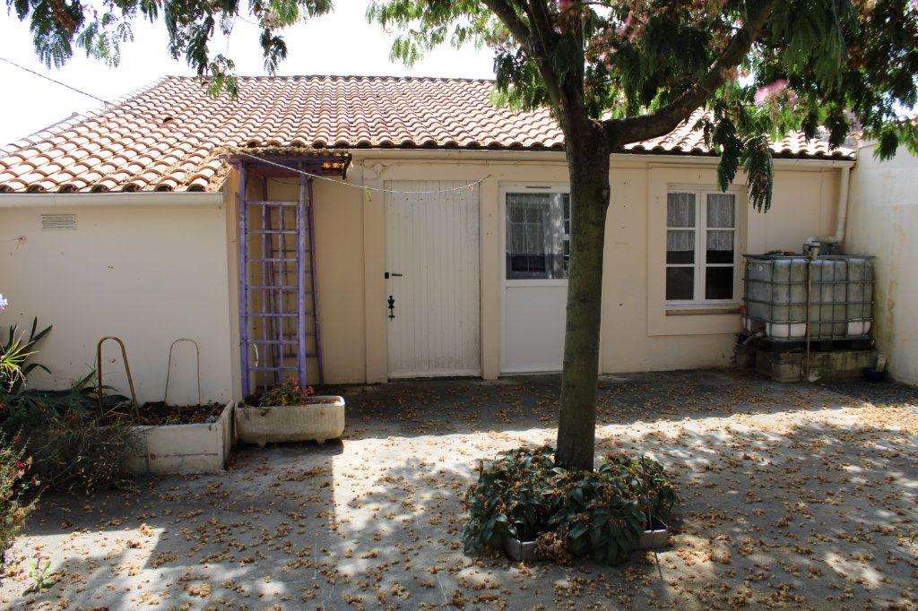 Maison à vendre 5 140m2 à Bourcefranc-le-Chapus vignette-14