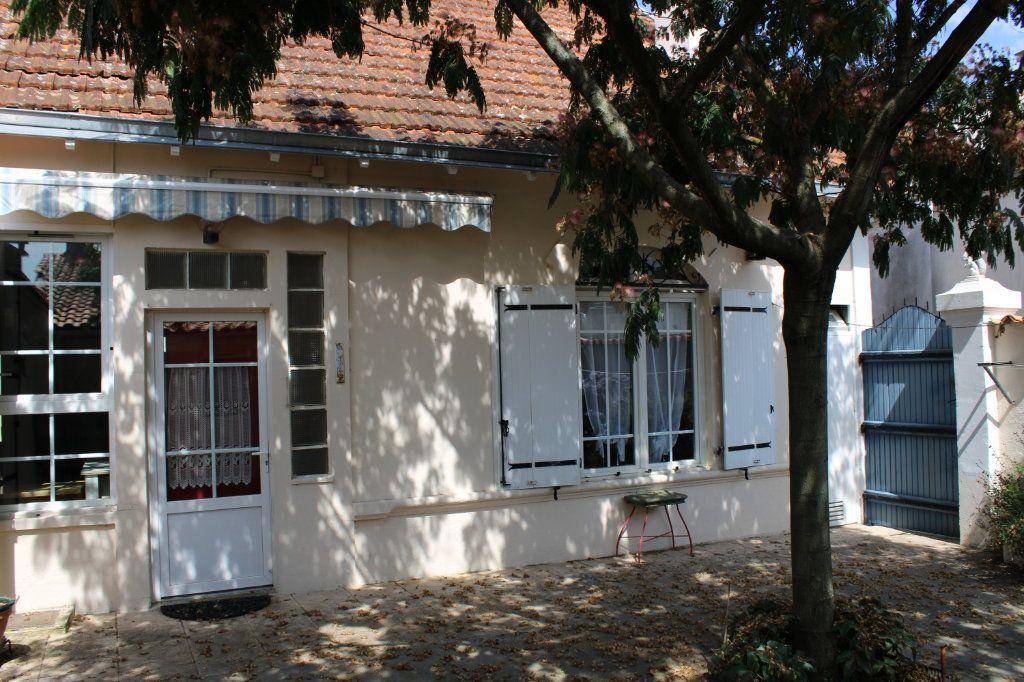 Maison à vendre 5 140m2 à Bourcefranc-le-Chapus vignette-16