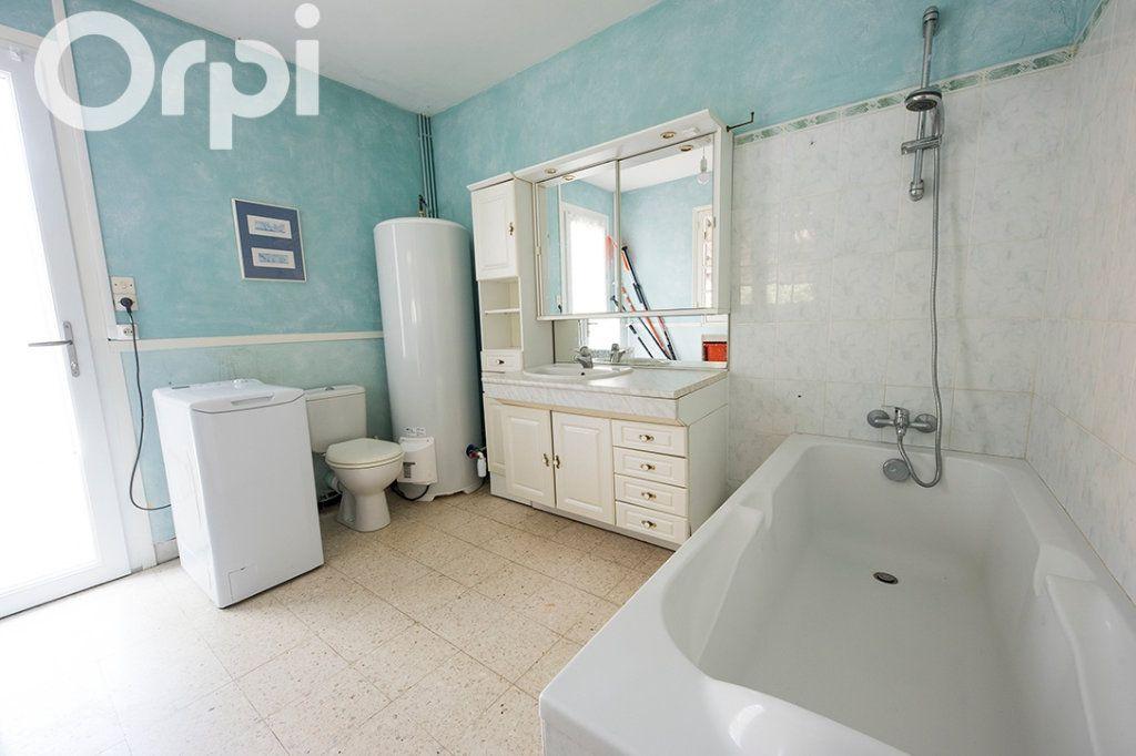 Maison à vendre 5 105m2 à La Tremblade vignette-14