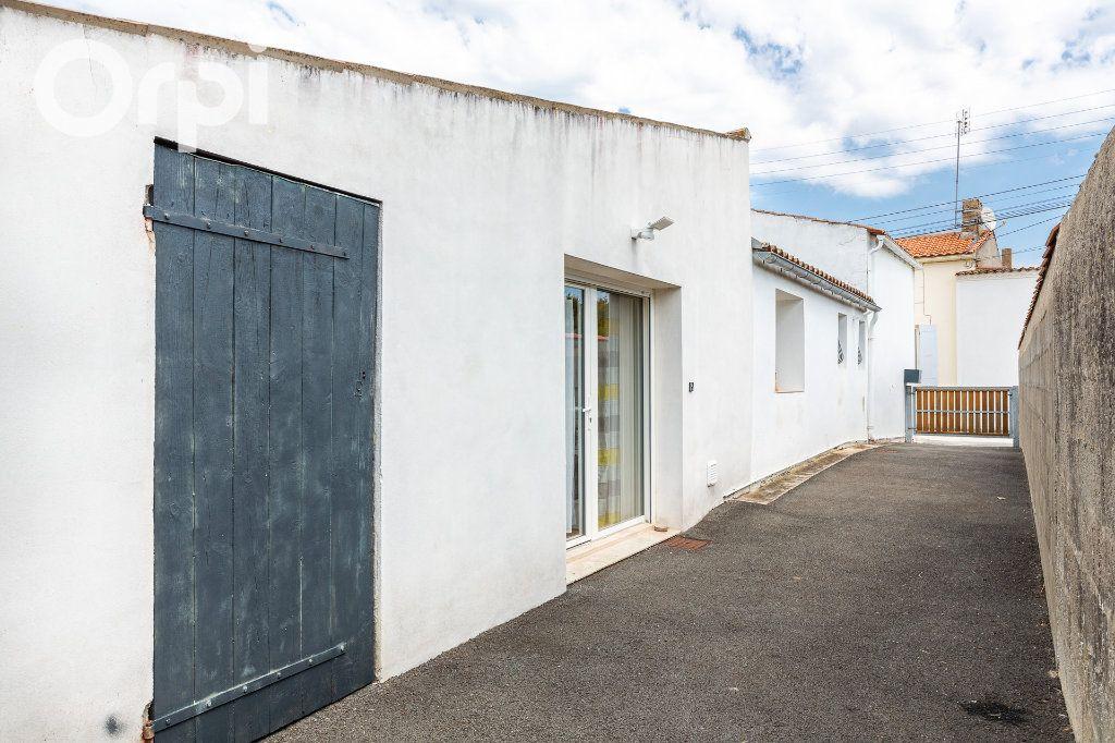 Maison à vendre 4 118m2 à Marennes vignette-3