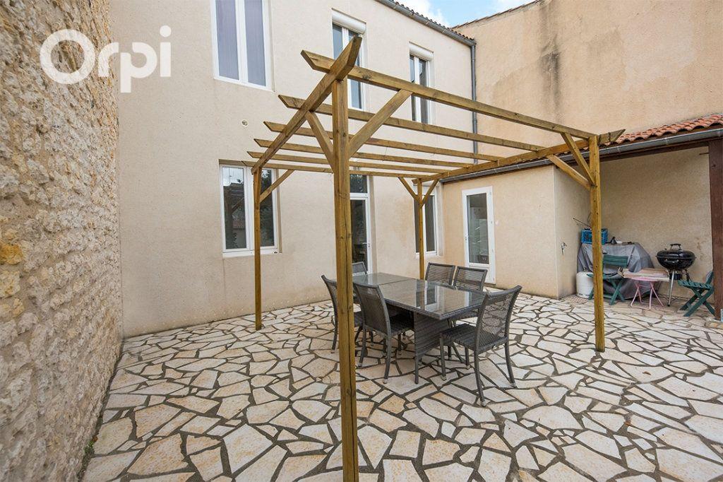 Maison à vendre 5 118.45m2 à La Tremblade vignette-5