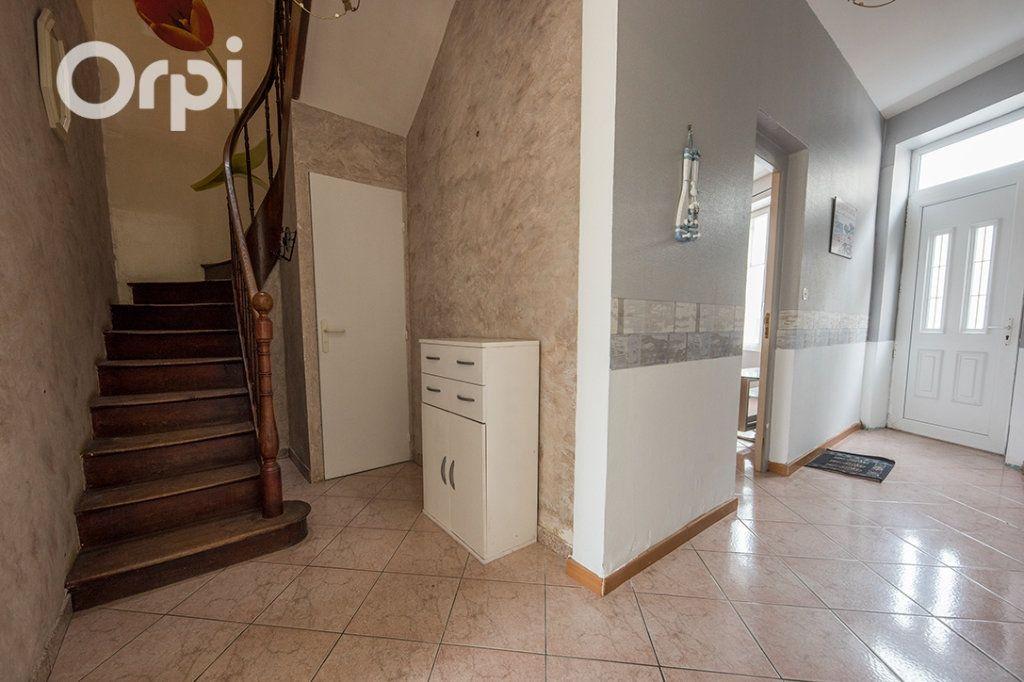 Maison à vendre 5 118.45m2 à La Tremblade vignette-6