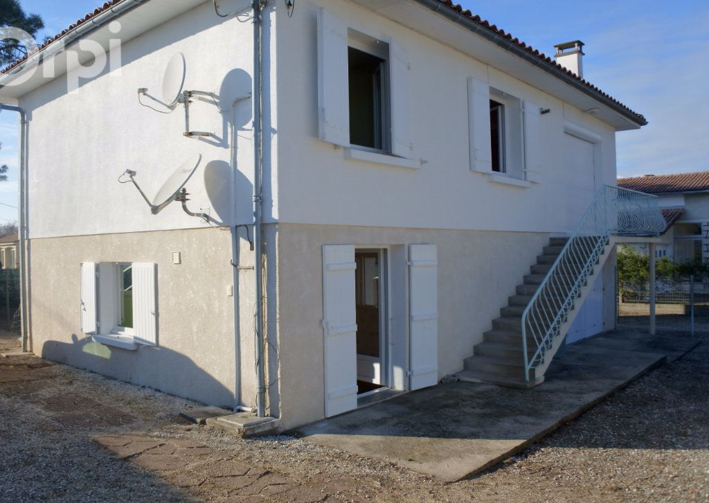 Maison à vendre 5 111.5m2 à La Tremblade vignette-5
