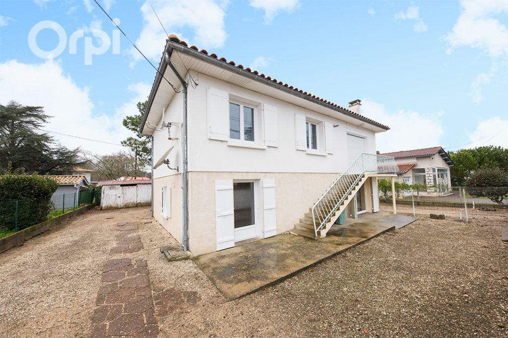 Maison à vendre 5 111.5m2 à La Tremblade vignette-6