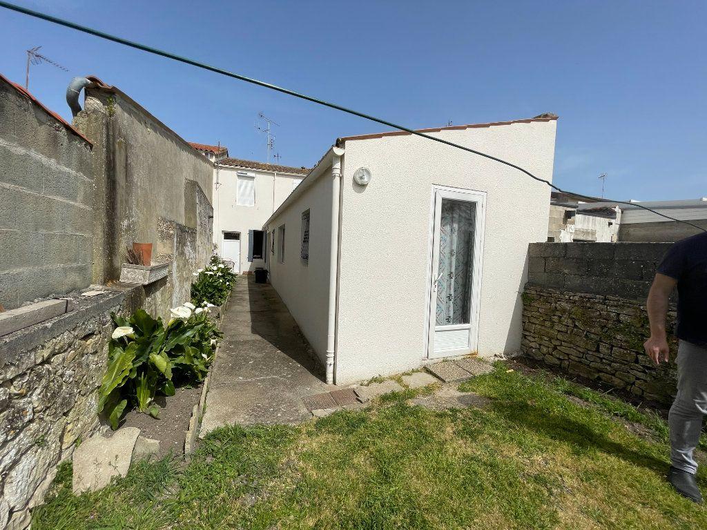 Maison à vendre 5 115m2 à Bourcefranc-le-Chapus vignette-12