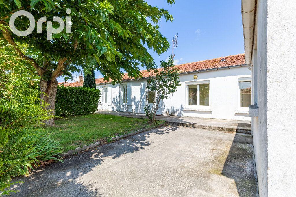 Maison à vendre 3 84m2 à Bourcefranc-le-Chapus vignette-1