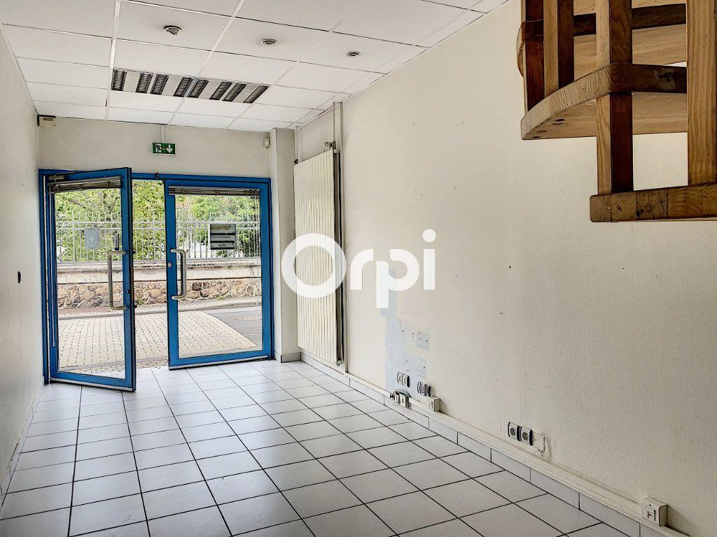 Maison à vendre 7 130m2 à Saint-Éloy-les-Mines vignette-2
